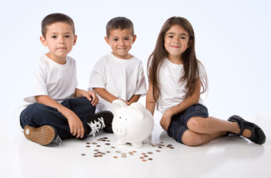 How To Talk to Kids about Money (ages 0-7) | www.TheHeavyPurse.com