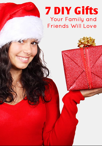 7 DIY Holiday Gifts that Your Family and Friends Will Love | www.TheHeavyPurse.com #DIY #ChristmasGifts